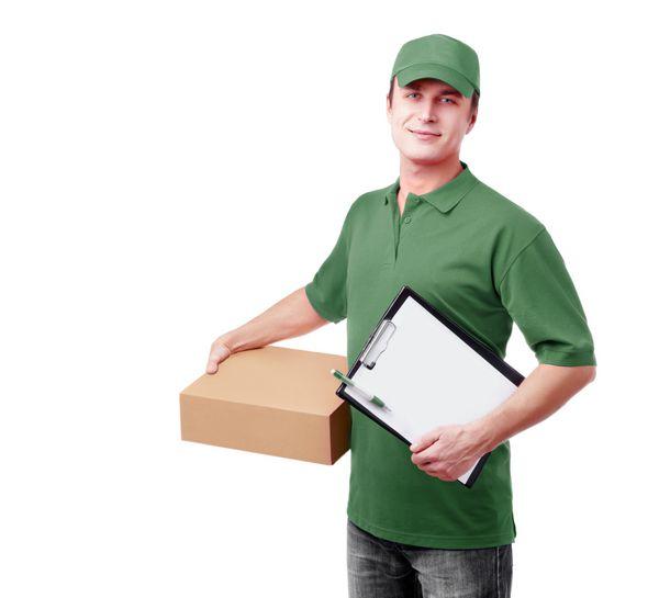 تحویل اکسپرس پیک در لباس سبز عکس 1219054 : پارس استاک - شاتر استوک پارسی