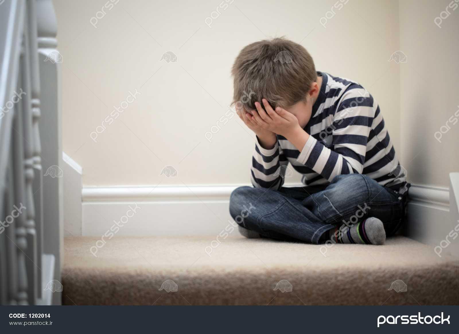 عکس کودک ناراحت