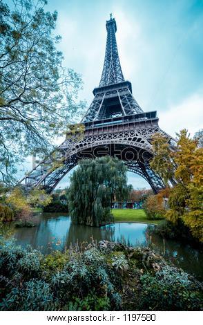 پاریس برج ایفل با رنگ های نقاشی با مداد رنگی اثر محصول عکس ...